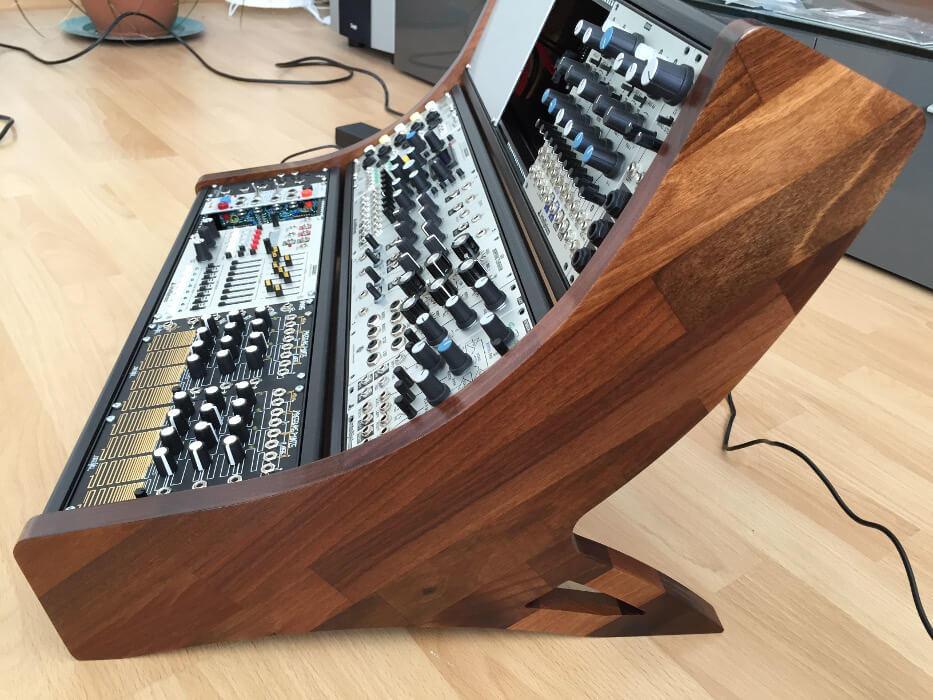 9u eurorack cases samodular modular synthesizer cases and diy parts. Black Bedroom Furniture Sets. Home Design Ideas